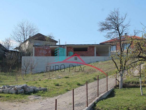 Kućište na prodaju Cazin Grad