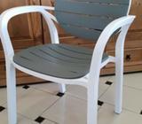 Vrtna plastična stolica