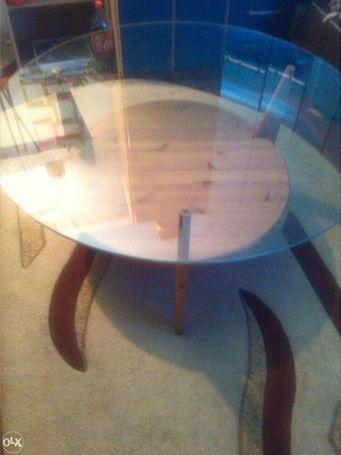 okrugli sto sa staklom