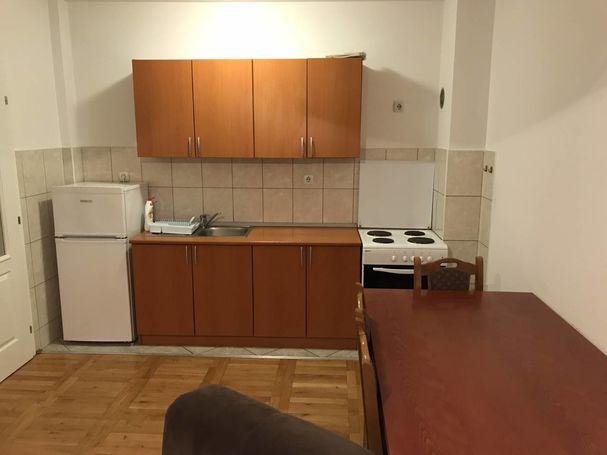Izdajem stan u ulici Svetog Save 70,Bijeljina