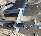 Osovina sa gumama za traktorsku prikolicu